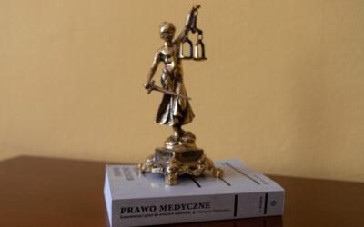 Błąd medyczny – czym jest i czego można żądać